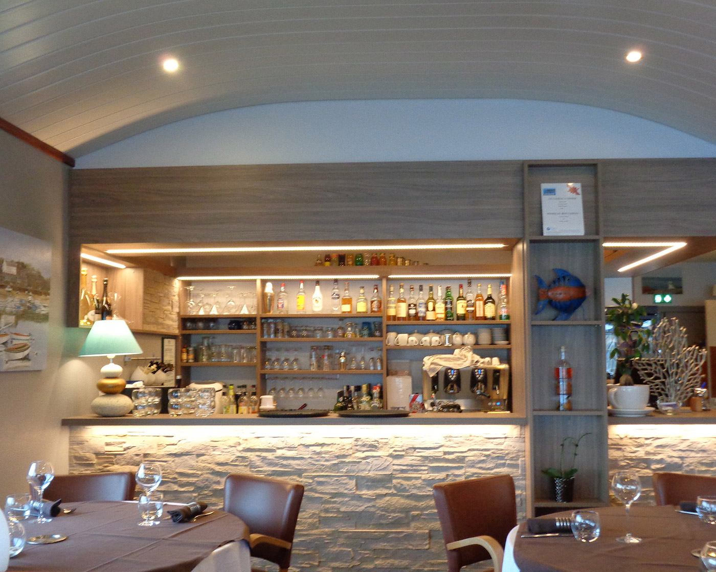Notre restaurant vous offre une carte de qualité avec une vue imprenable sur le port de Ploumanac'h